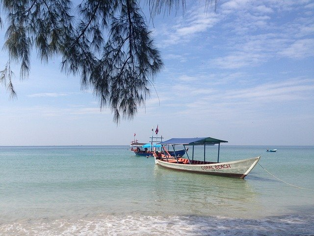 loďky u pláže
