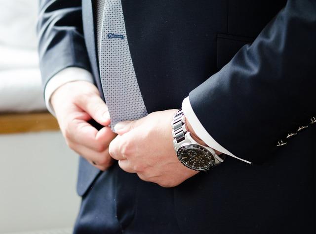 hodinky k obleku