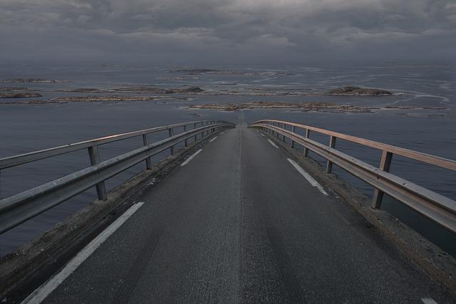 silnice z kopce.jpg