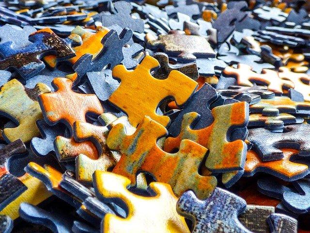 dílky puzzle.jpg