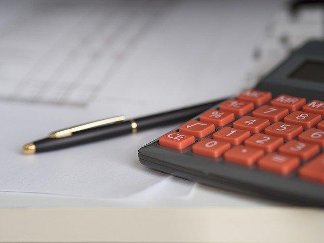 kalkulačka u tužky.jpg